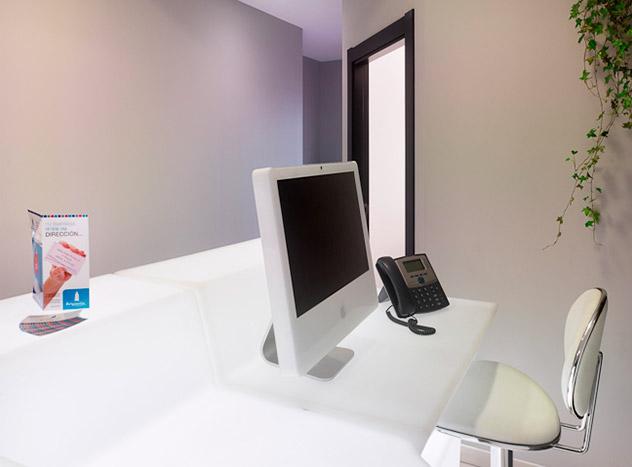 Centro de Negocios Brigantia. (A Coruña, Galicia, Spain) Alquiler de Oficinas y Despachos. Alquiler de Oficinas Virtuales, (desde 120€). Domiciliación de Sociedades, (desde 50€). Alquiler de Salas de reuniones (desde7,5€/hora). Localización en el centro financiero y comercial de A/La Coruña. Atención Personalizada de tus clientes. Ven a conocernos!